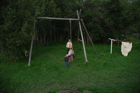 An old-fashioned swing