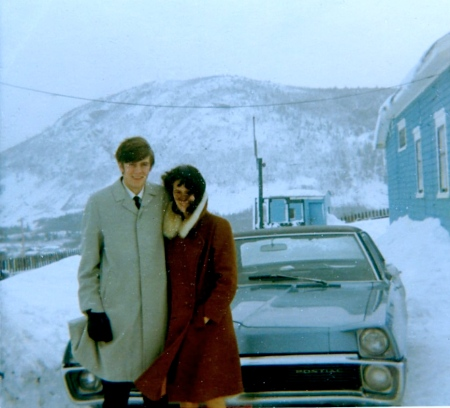 1968: Author and sister Cheryl outside our family home on a snowy day. Note the Sugarloaf Mountain in the background. Promise: this is the only flashback photo in this post.